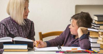 Šola za starše: čigava stvar so domače naloge?