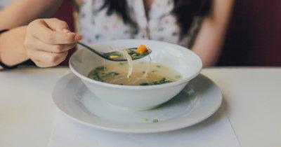Upor v šolski menzi ali zakaj je tam hrana boljša kot doma